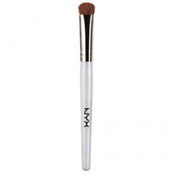 NYX Shadow Smokie Fat Brush Широкая кисть для теней NB29