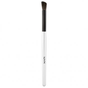 NYX Contour Brush Скошенная кисть для контура глаз B16